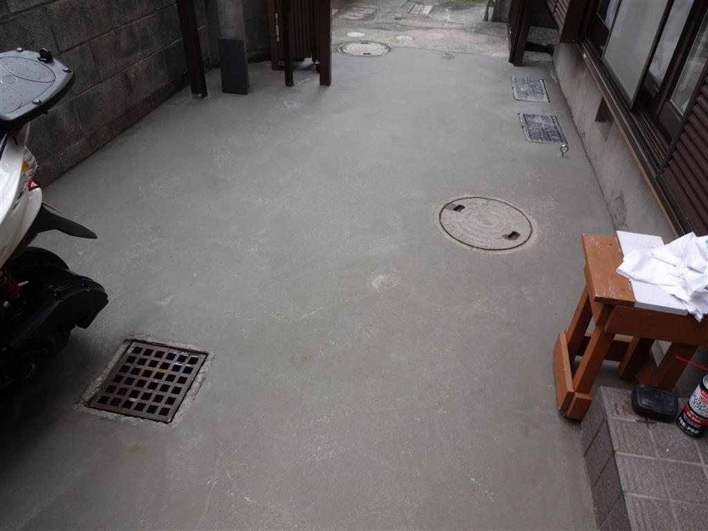築84年住宅全面改装工事 駐輪場 門扉