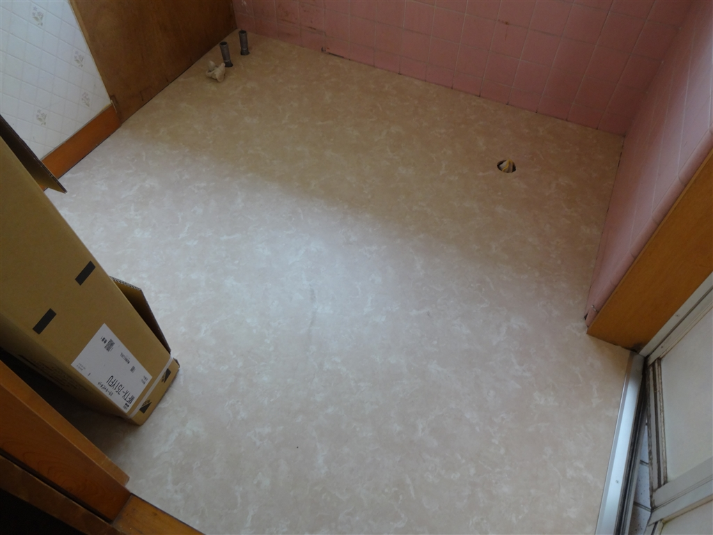 脱衣場の床がブカブカで気持ち悪くて本当にコワい!床補修CF仕上げ