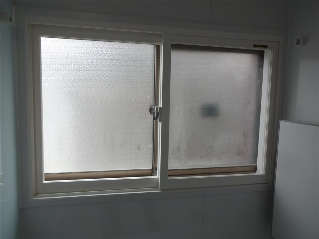 母のことを考えて浴室窓2重サッシ!