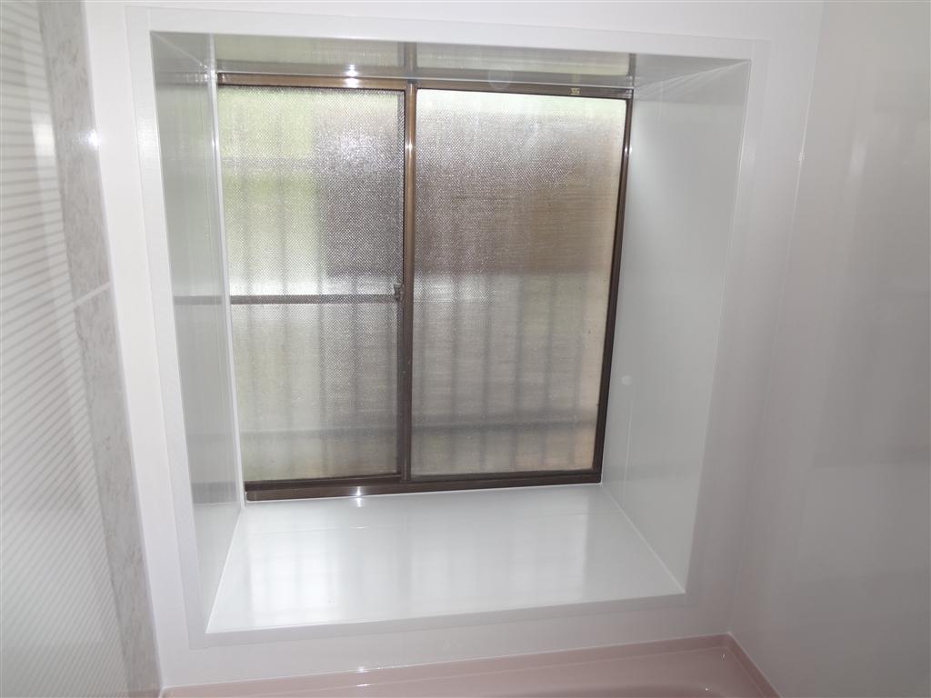 富士ビレッジ:住宅全面改装☆12 浴室窓