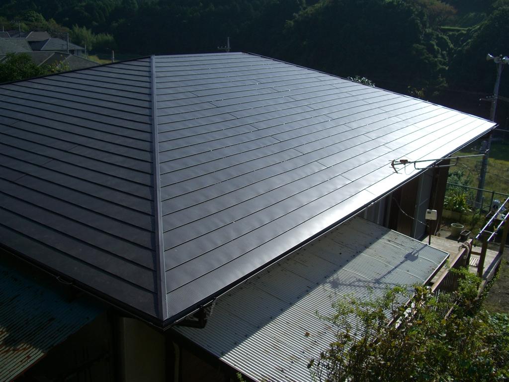 や、や、や、屋根が大変なことに!
