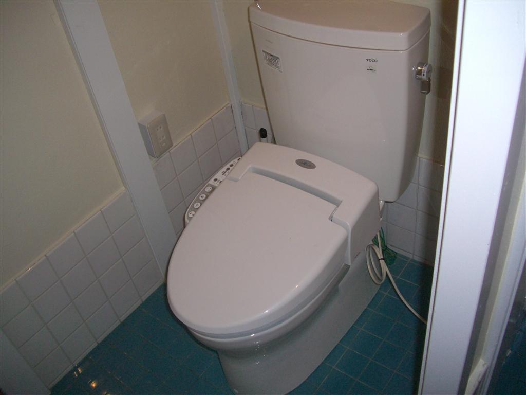 えいごのひろば 改装工事 1Fトイレ ・ 扉