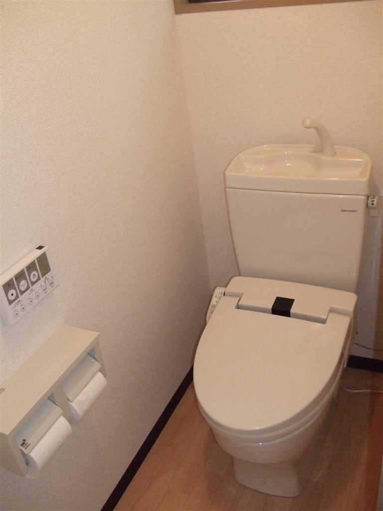 この先も和式トイレじゃ・・・