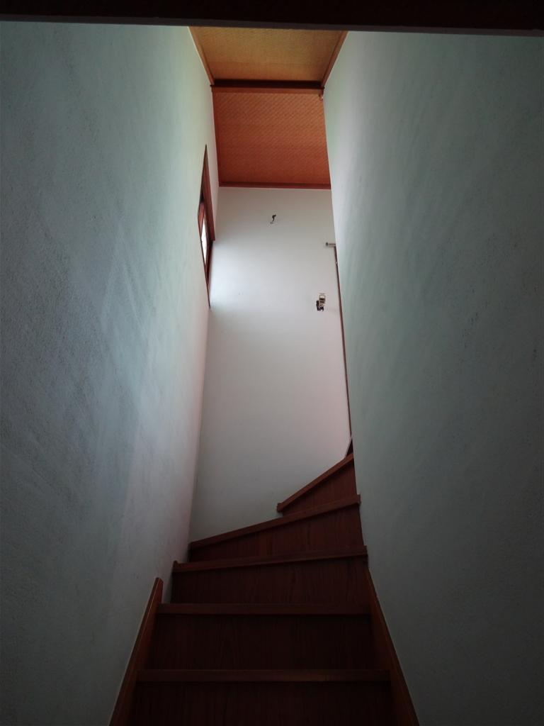 伊豆の国市:中古住宅全面改装工事 14 廊下・階段 ⇒ 室内壁塗装工事。