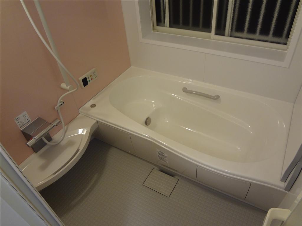 浴室の窓が低い!そんな時は・・・ 浴室