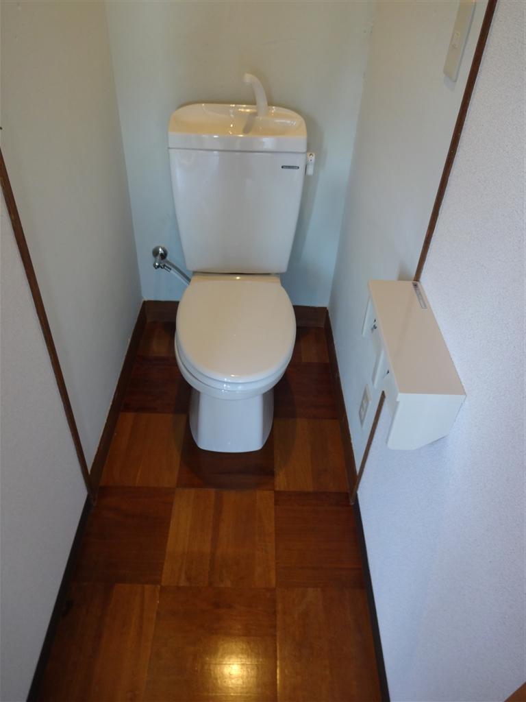 伊豆の国市:中古住宅全面改装工事 15 2F ⇒ 新規トイレ造作工事。