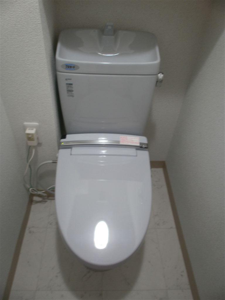 マンションは壁からの排水なんですけど、トイレ取替え大丈夫?