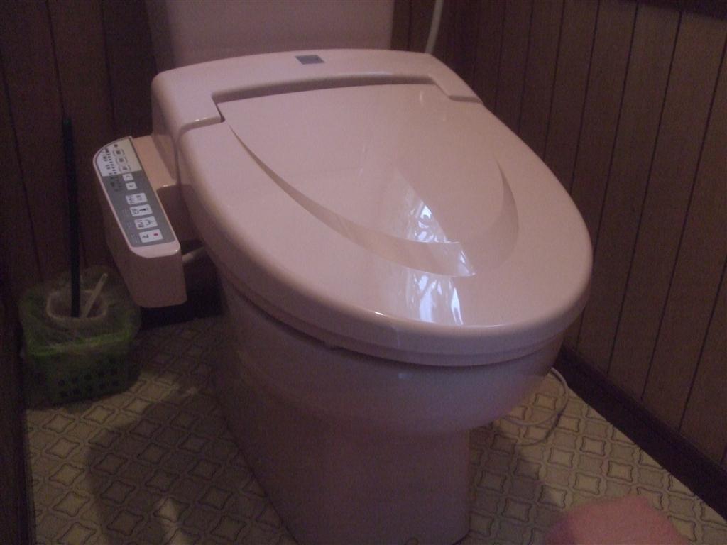 とにかく安いお尻洗う機能の便座に!