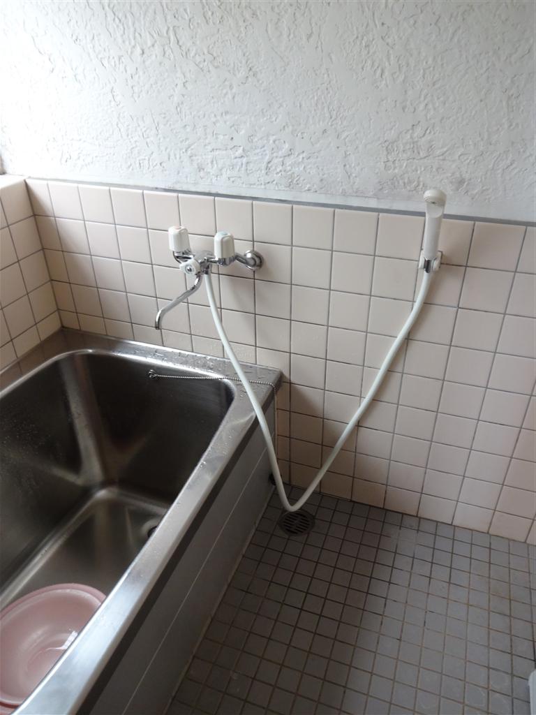 浴室のシャワー水栓が漏るので取替え
