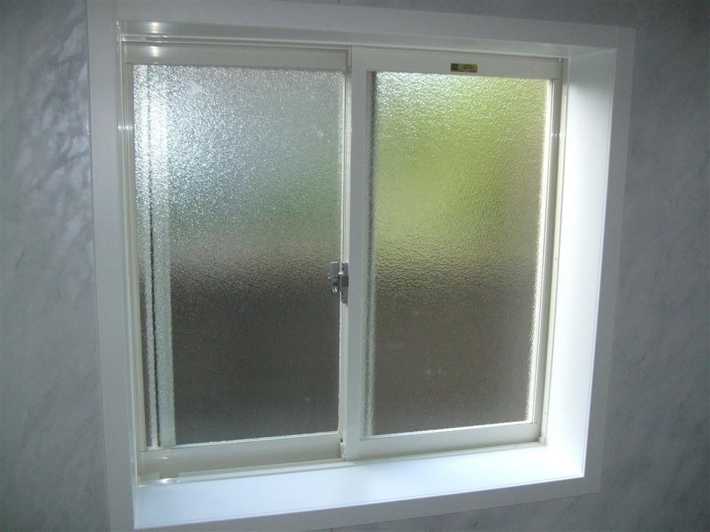 えいごのひろば 改装工事 浴室 窓