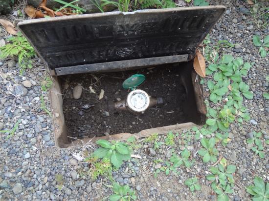 水道管メーターが止まらない!漏水してるみたい・・・ 水道管補修