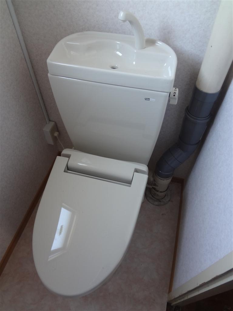 アパート トイレの結露に長年悩みました。 D