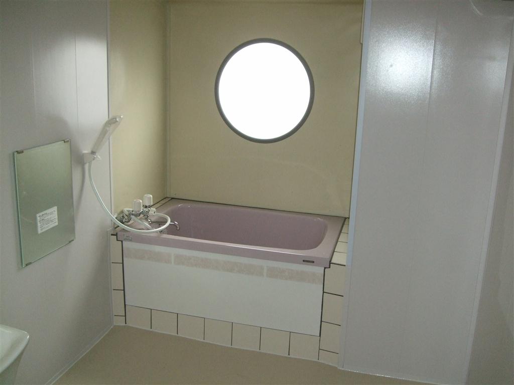 お風呂をこんな感じで、改装してみてはいかがでしょうか?