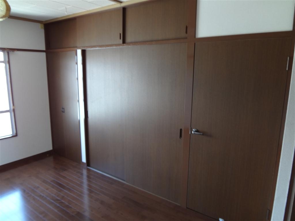 アパートの部屋、思いっきり改装! クローゼット・建具扉