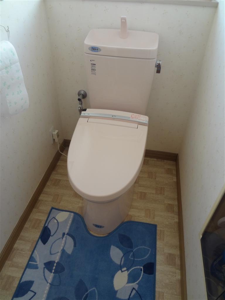 できればINAXのトイレを! 2F