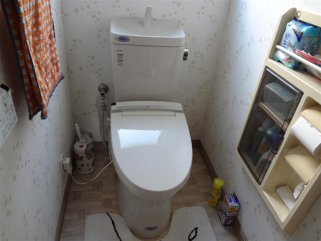 できればINAXのトイレを! 1F