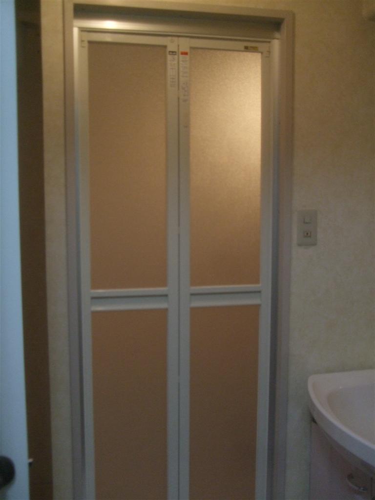 中古マンション購入 予算なりにリフォーム 浴室 入口扉
