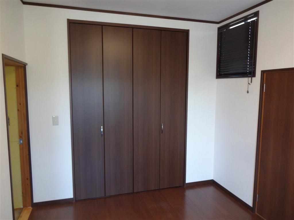 築32年住宅:将来、暮らしやすいように! 2F和室改装 A クローゼット・入口扉