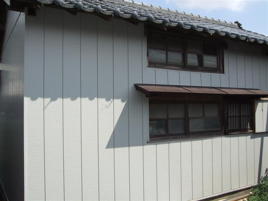 借家にしている家を改装。自分たちが暮らす家に!倉庫外壁