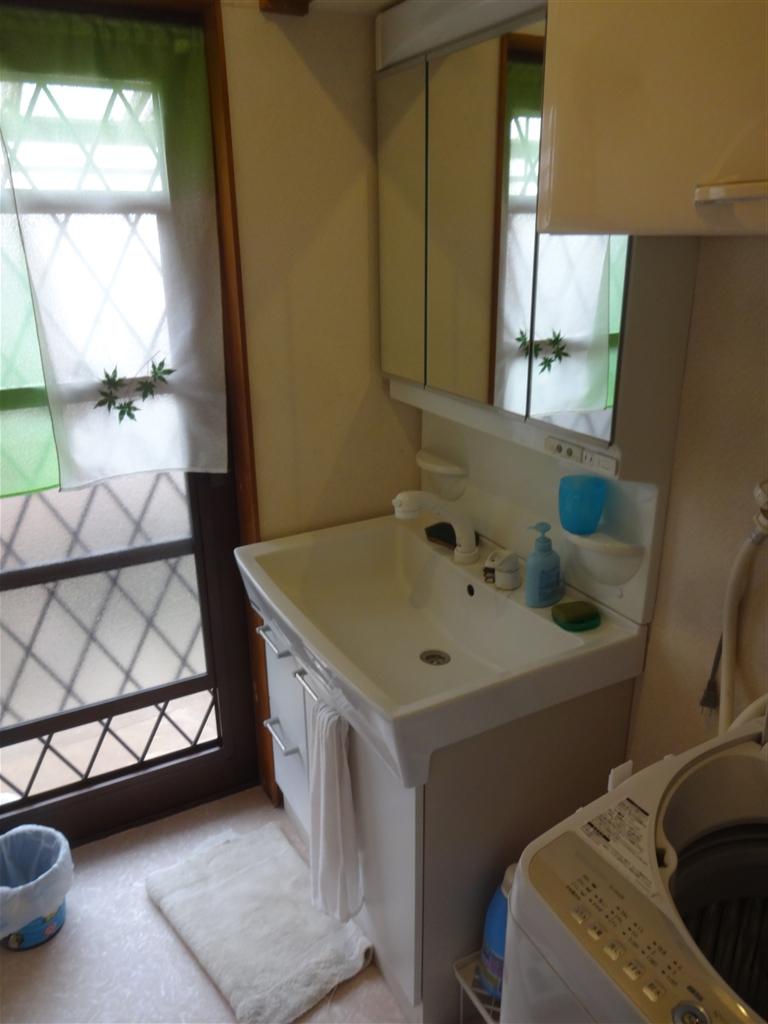 洗面化粧台と・・・洗濯機水栓を取替えて!
