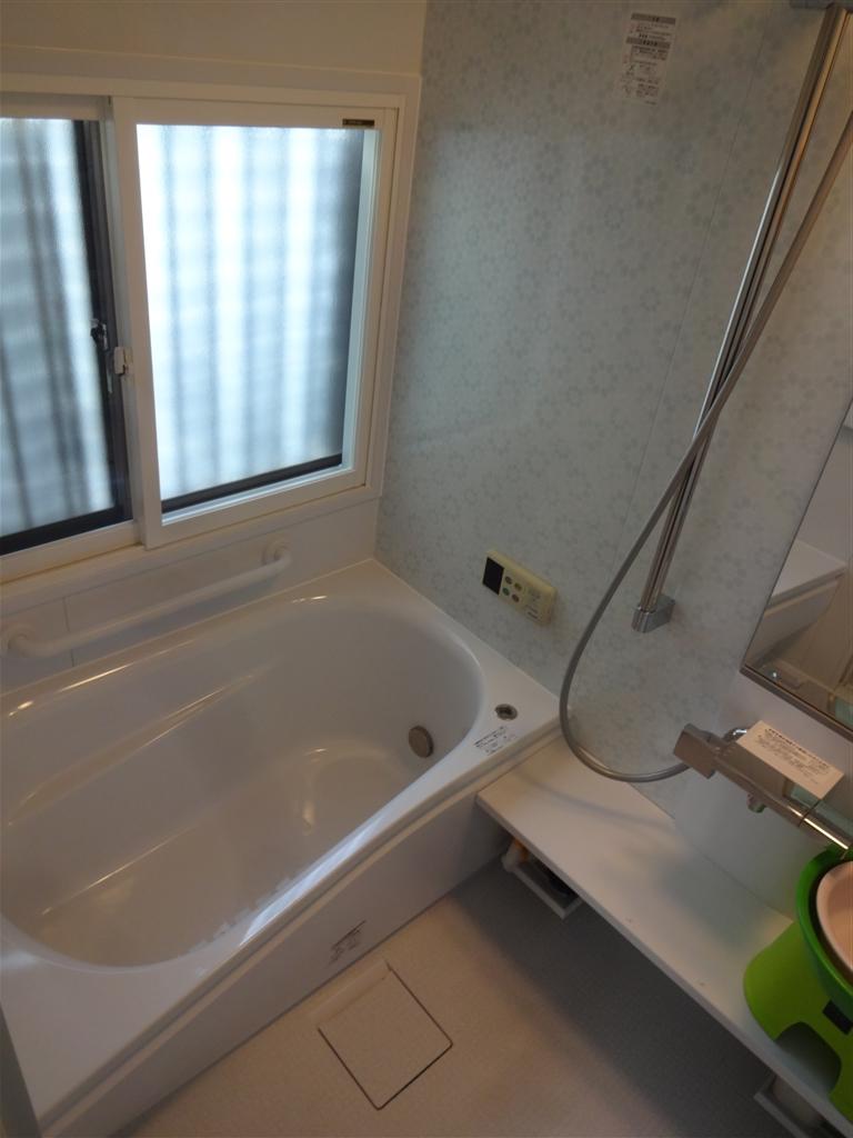 柔らかいお風呂の床が理想です!TOTO サザナ