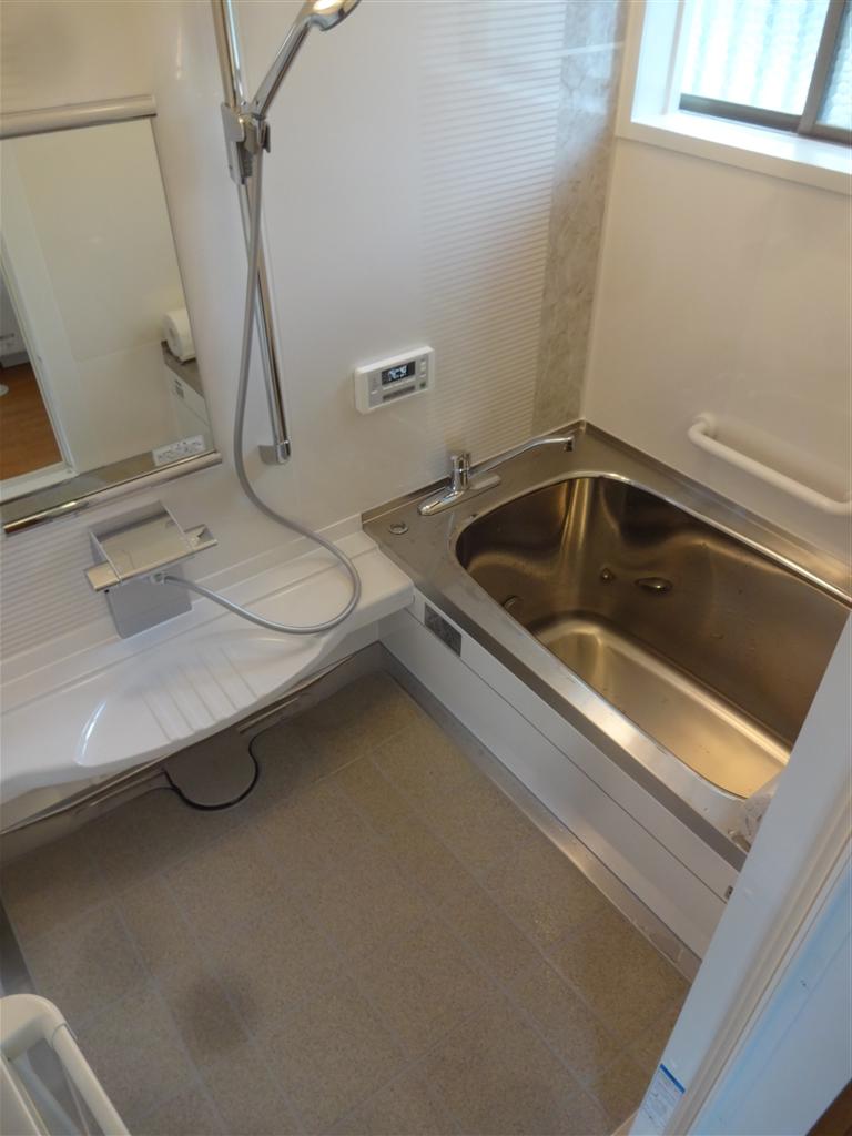 今後の生活を考えて水廻り全面改装工事♪浴室・ガス給湯器