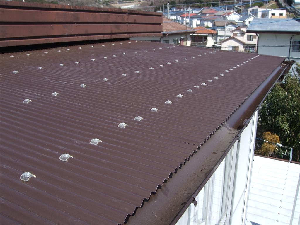 サンルームのロールスクリーン撤去して、屋根を補修してください!