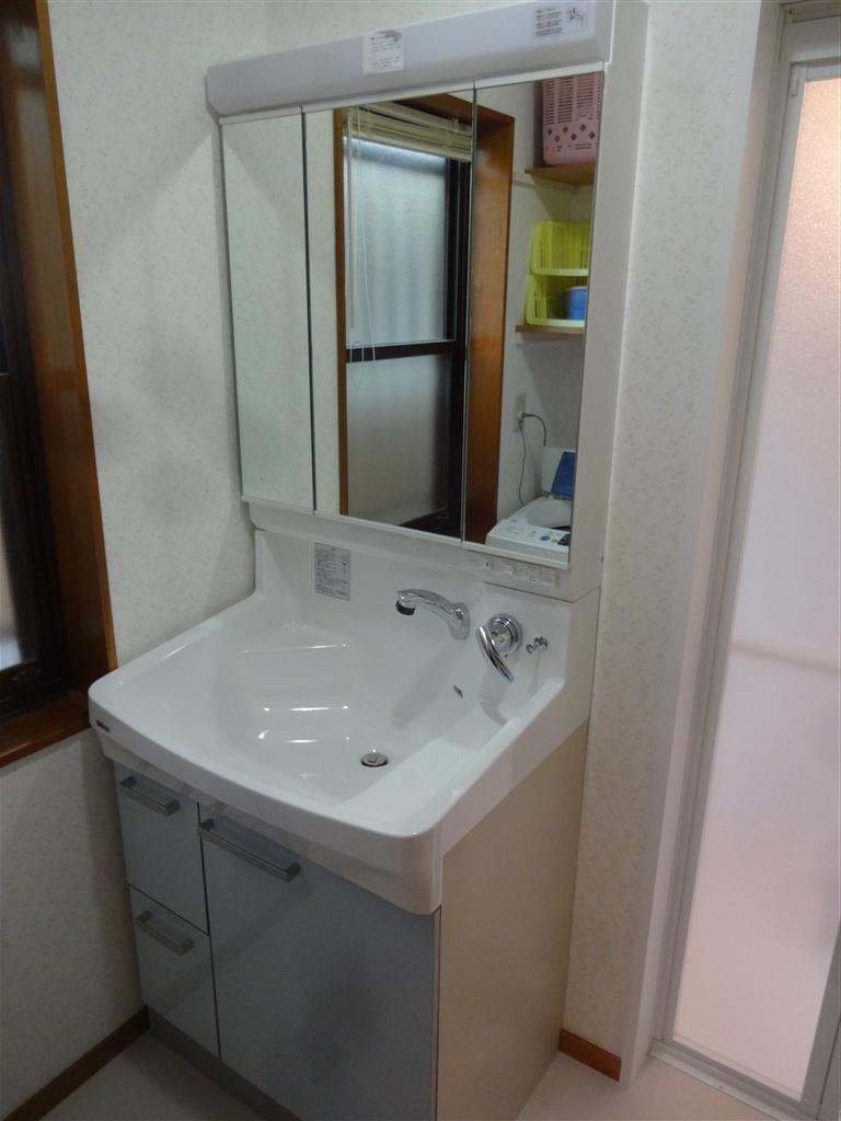 脱衣場もきれいにしたい!洗面化粧台&洗濯機