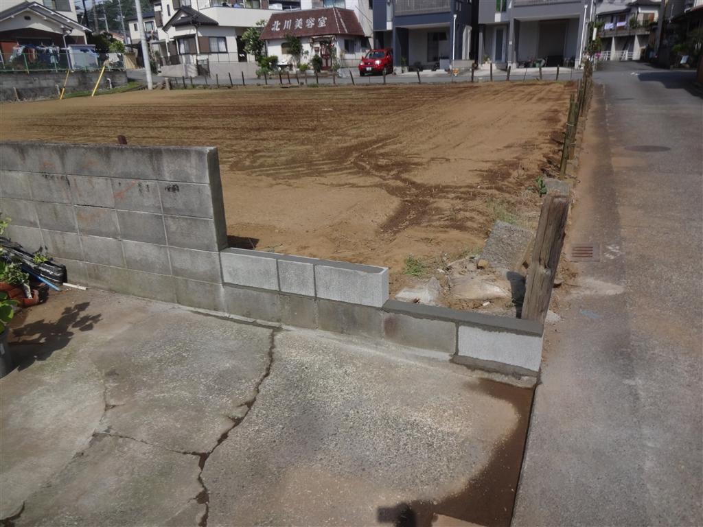 ブロック塀が倒れそうです。少し減らしてください!