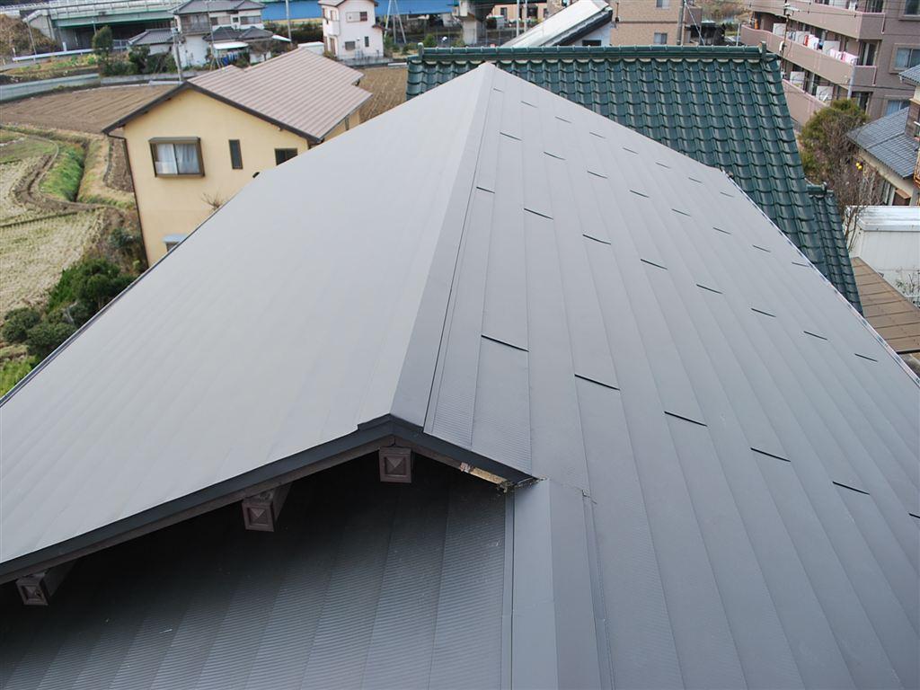屋根の瓦が飛んで近所迷惑になる前に!大屋根