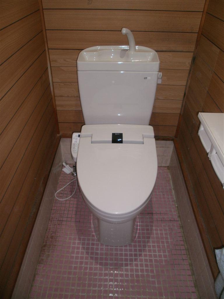 下がガレージで2Fが生活中心◎水廻り全面改装工事 トイレ