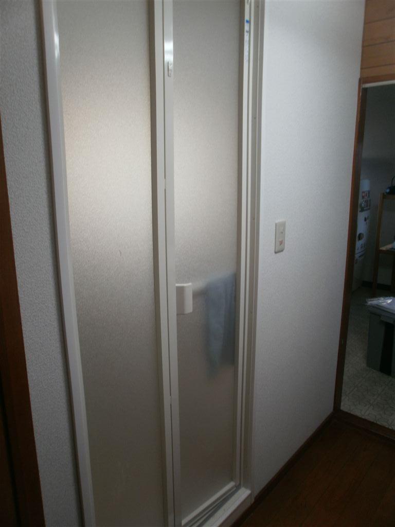 下がガレージで2Fが生活中心◎水廻り全面改装工事 浴室施工