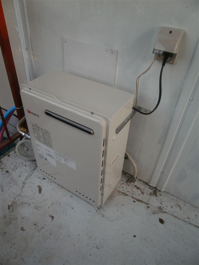 下がガレージで2Fが生活中心◎水廻り全面改装工事 ガス給湯器&給水・給湯・排水管