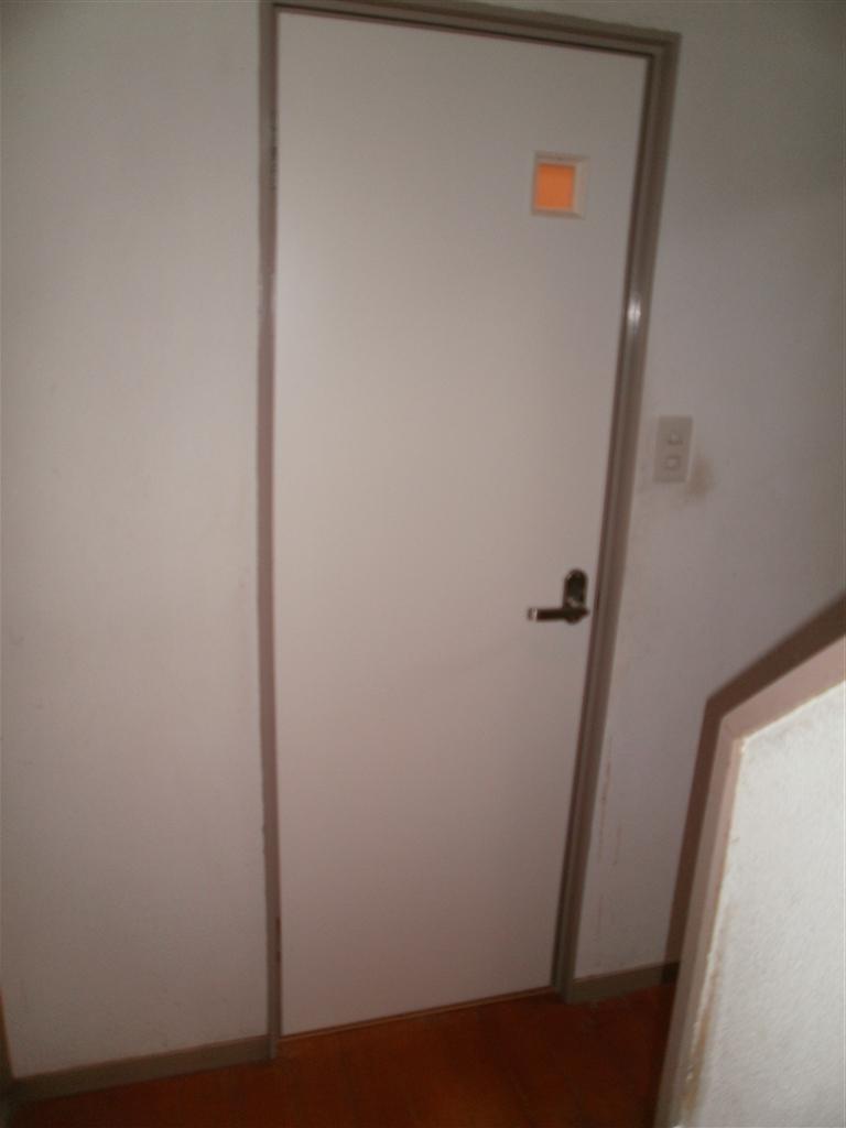 この家でこれからも暮らしていくので・・・1F トイレ 扉