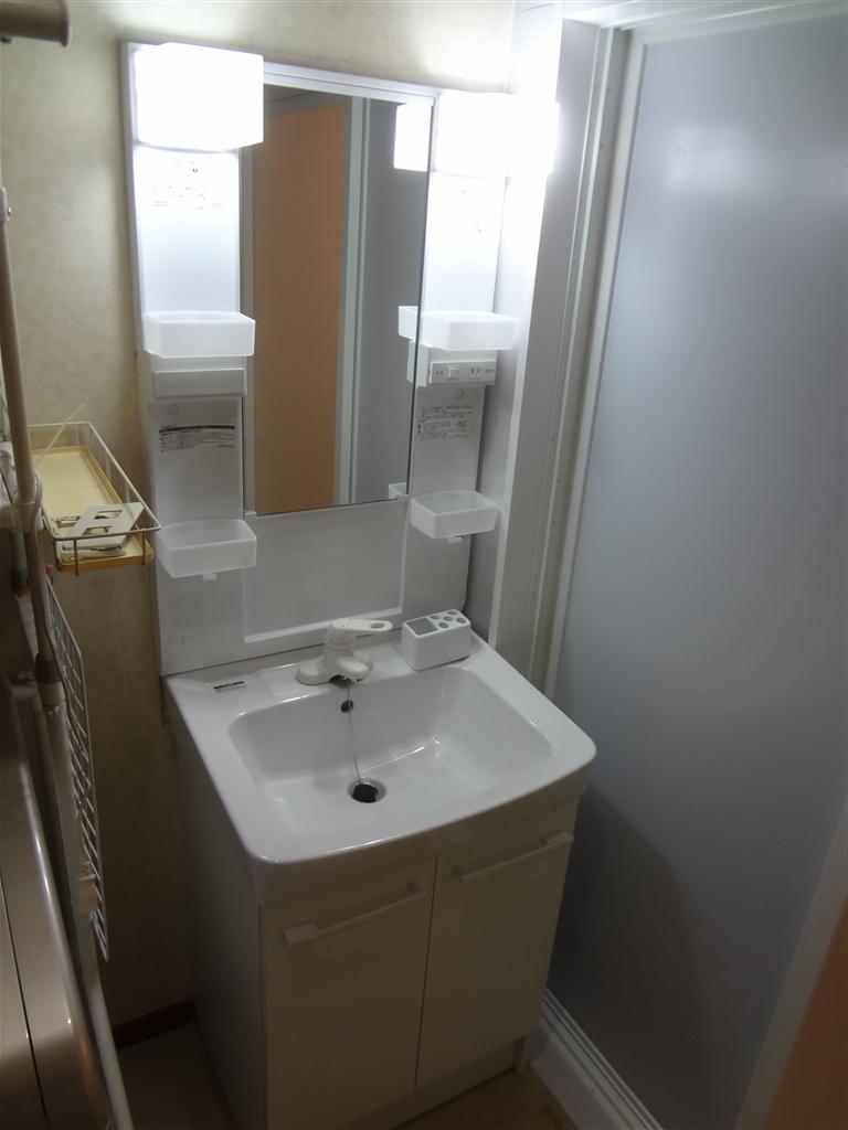 2Fの浴室を介護仕様に!一緒に洗面化粧台 オフトW600