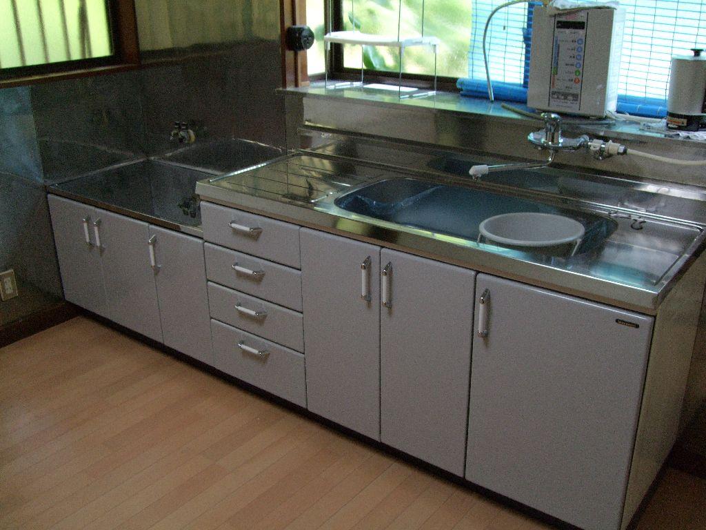 システムとかではなくて・・・キッチンを取替え♪