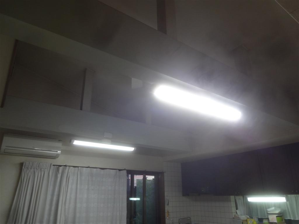 ダイニングと納戸と脱衣場をLED照明に取替え!