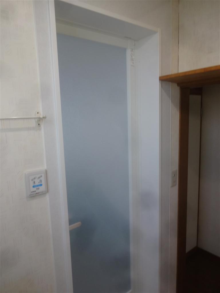窓が二つある浴室の改装工事 施工
