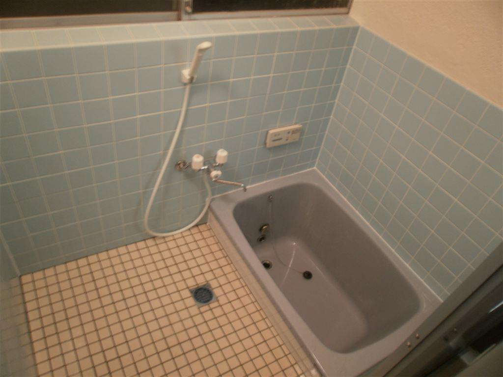 借家の浴室を補修改装☆