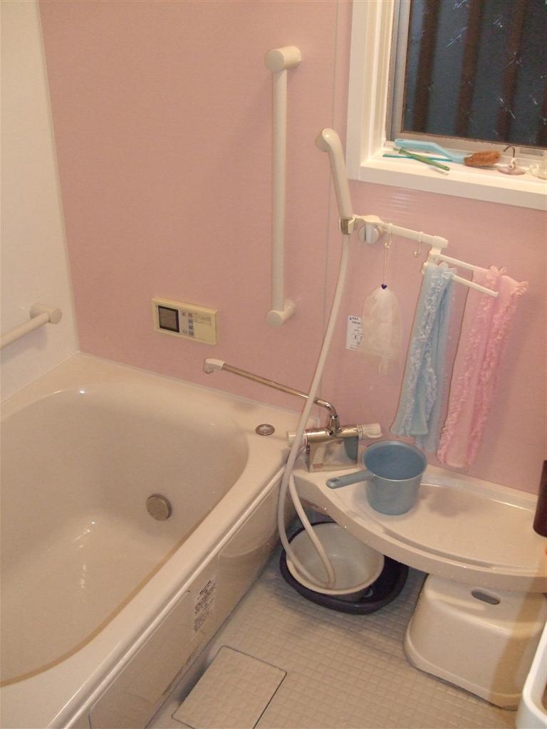建直せない!と、すると・・・浴室
