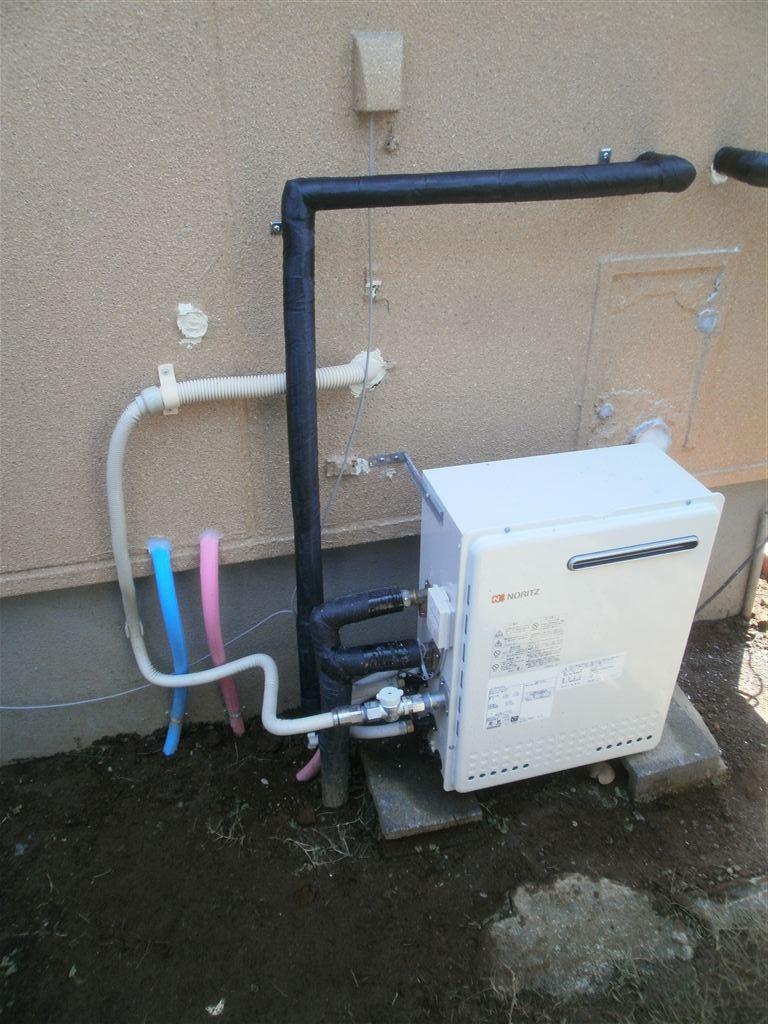 上下ある窓を片方にして浴室改装 レラージュ ガス給湯器+太陽熱温水器対応