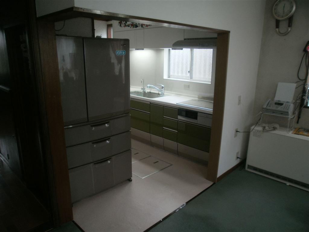 レイアウトを変更してキッチン改装 SS L型をヤめて・・・