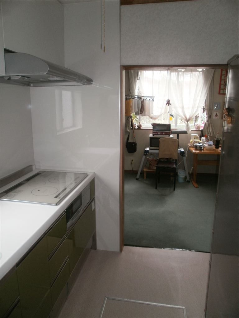 レイアウトを変更してキッチン改装 SS 施工