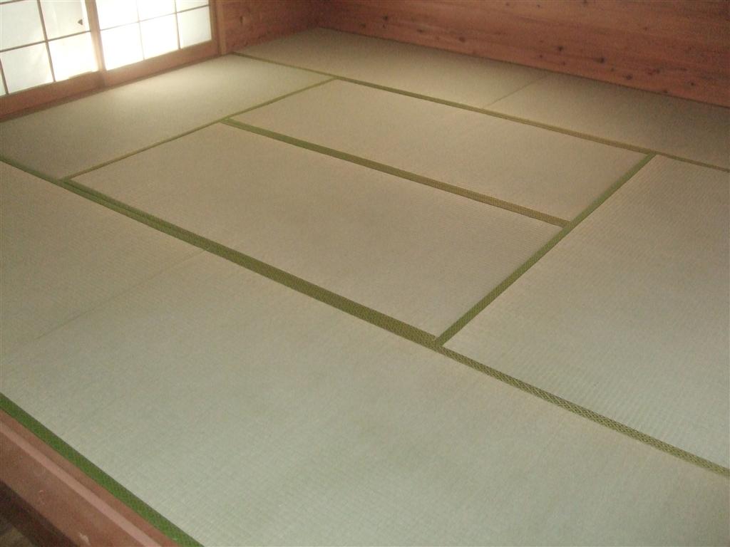 中古別荘に暮らそうと思います。和室畳と襖 ・ 押入れ床補修