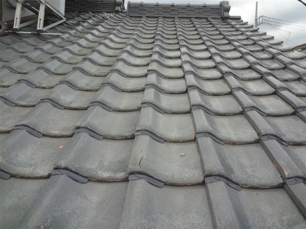 屋根が崩れないように!瓦ボンドロック施工 下屋根 北側