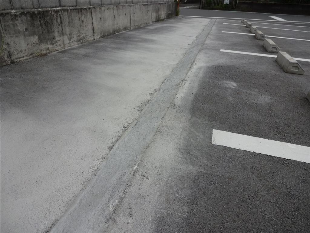 工夫して駐車場を設けよう! 庭側から