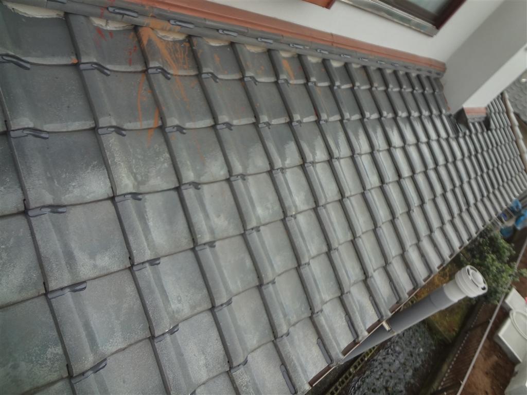 屋根が崩れないように!瓦ボンドロック施工 下屋根 裏側