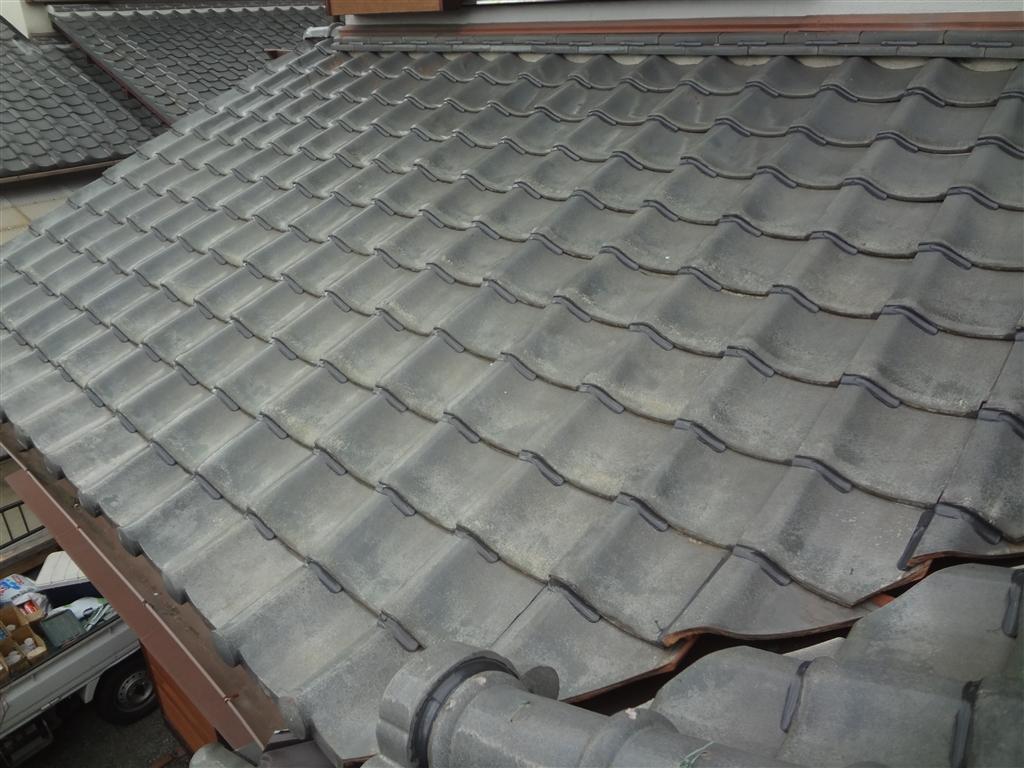 屋根が崩れないように!瓦ボンドロック施工 下屋根