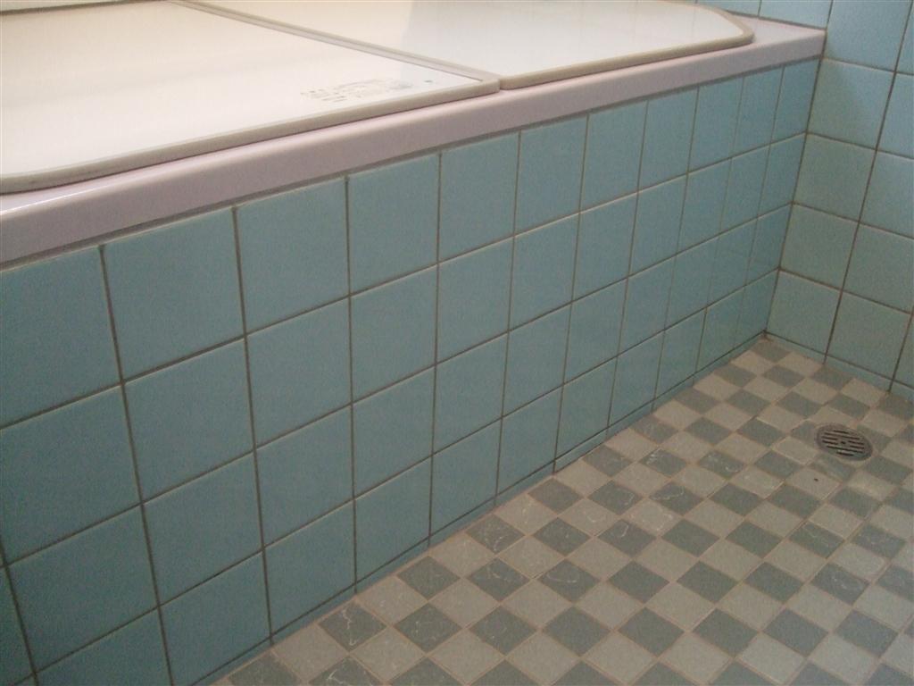 浴室のタイルにヒビ!補修