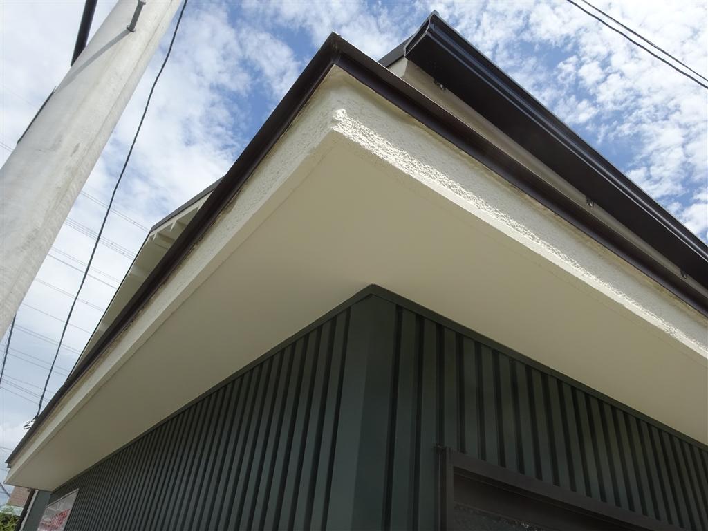 えいごのひろば 改装工事 1F 教材倉庫 霧除け補修+軒天塗装